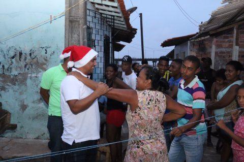 Wellington realiza ação social em palafitas da Ilhinha e com famílias da Ponte do São Francisco