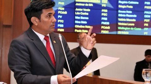 Deputado Wellington solicita aumento do número de vagas para Educação Básica em São Luís