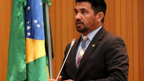 """""""A população de Paraibano reclama da falta de segurança"""", destaca Wellington"""