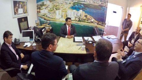 """""""Defendemos a valorização dos agentes de segurança pública"""", diz Wellington em reunião com representantes de delegados e policiais civis"""