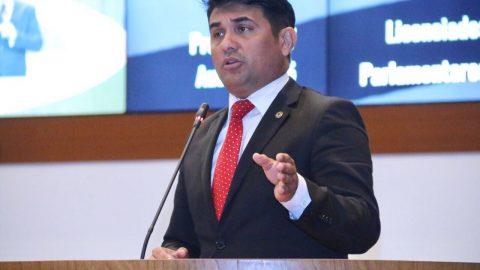Deputado Wellington solicita ao Governo incentivo a times maranhenses no Brasileirão