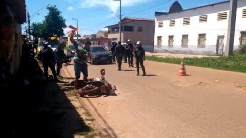 Desespero: Mototaxista destrói moto para evitar reboque por atraso de IPVA