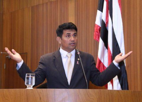 """""""Cadê a transparência do Governador Flávio Dino?"""", questiona deputado Wellington ao ter sido negado informações sobre a CAEMA"""