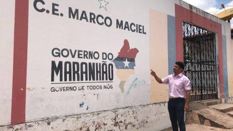 """""""Pintaram só o muro com a logomarca de Flávio Dino e não reformaram o telhado que desabou da escola"""", denuncia Deputado Wellington"""