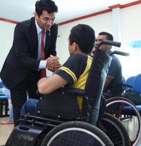 """""""A acessibilidade não pode ficar só no papel"""", diz deputado Wellington ao cobrar efetividade de leis e destacar Dia Internacional da Pessoa com Deficiência"""