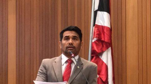 Deputado Wellington defende na Assembleia Legislativa os professores aprovados no concurso da Prefeitura de São Luís