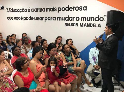 """""""A educação é o que transforma a vida das pessoas"""", diz deputado Wellington ao ministrar palestra em Itapecuru"""