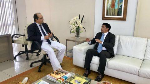 """""""A fiscalização é essencial para o Maranhão desenvolver"""", diz deputado Wellington durante reunião com presidente do TCE"""