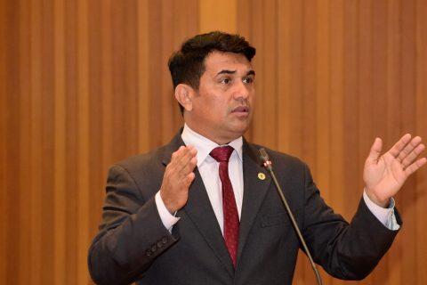 Deputado Wellington volta a defender a Polícia Civil e denúncia o descaso de Flávio Dino com a categoria