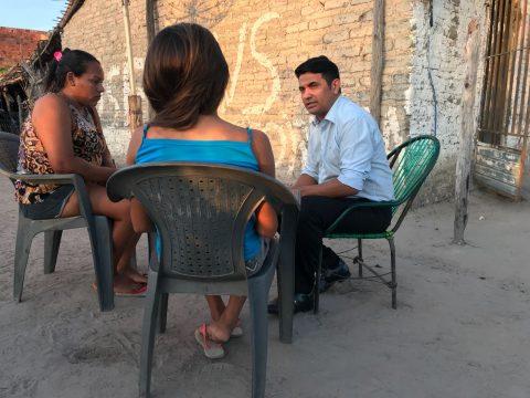Deputado Wellington visita família de adolescente vítima de violência psicológica por prefeita em Anapurus