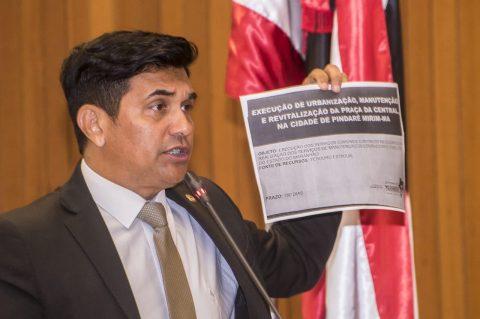 Deputado Wellington cobra do Governo do Estado informações sobre construção de Praça em Pindaré-Mirim