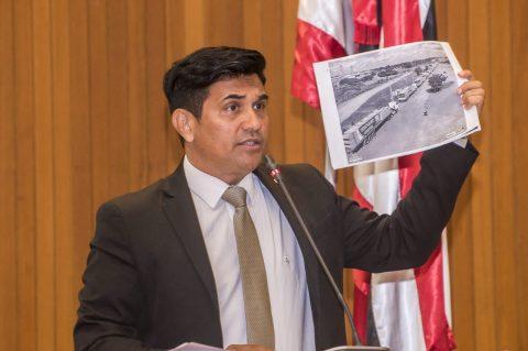 """""""A Ponte de Flávio Dino tá igual ao VLT de São Luís """", diz deputado Wellington sobre obra eleitoreira do governador"""