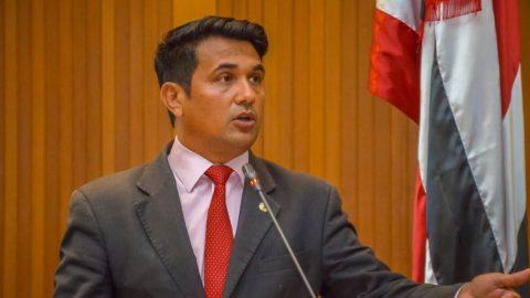 Deputado Wellington defende aposentados e vota contra medida provisória de Flávio Dino