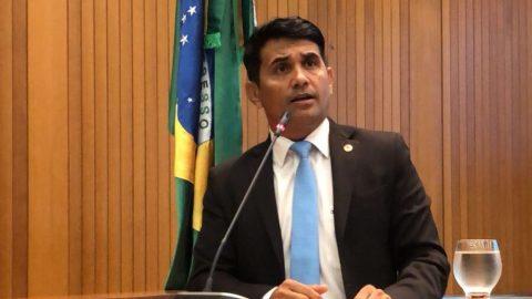 """""""Flávio Dino, não se faz política com a saúde dos maranhenses"""" diz deputado Wellington ao cobrar inauguração de Hospital de Chapadinha"""