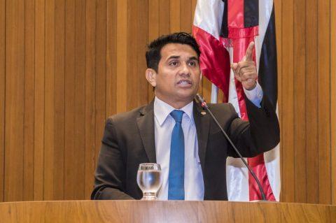 Deputado Wellington desafia Flávio Dino a reduzir o ICMS para evitar aumento nas contas de energia elétrica