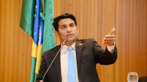 """""""Queda do PIB e aumento da extrema pobreza mostram a incompetência de Flávio Dino no Maranhão"""", diz deputado Wellington"""