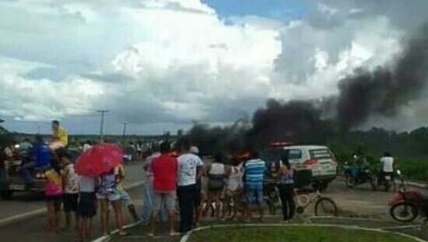 """""""Pelo segundo dia consecutivo, alunos fazem manifestação para ter escola digna"""", dispara deputado Wellington sobre estudantes da cidade de Maranhãozinho"""