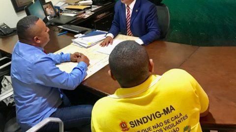 """""""Flávio Dino demitirá 1200 vigilantes de escolas públicas"""", denuncia Wellington do Curso"""