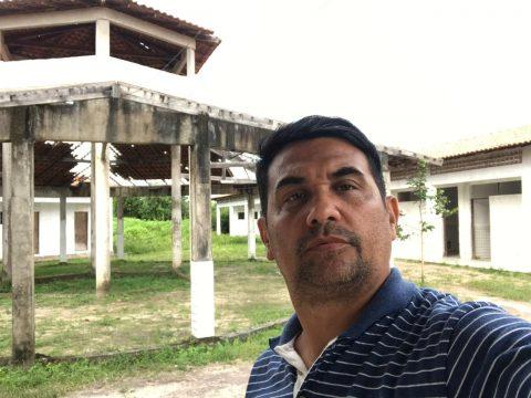 """Deputado Wellington denuncia mais uma escola """"digna de pena"""" do governador Flávio Dino"""