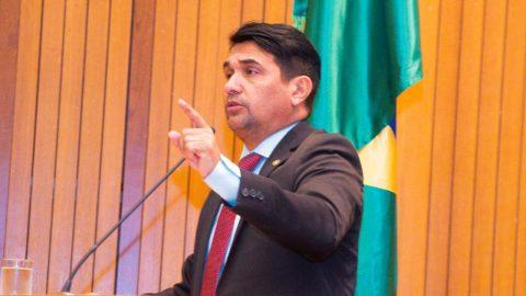 """""""Flávio Dino vai ter que devolver os R$ 141 milhões que tirou da Emap"""", afirma deputado Wellington"""