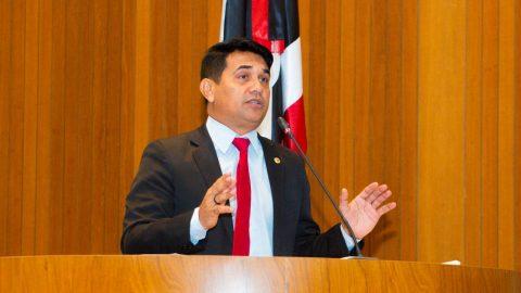 Deputado Wellington declara apoio ao professor Natalino Salgado para reitor da UFMA