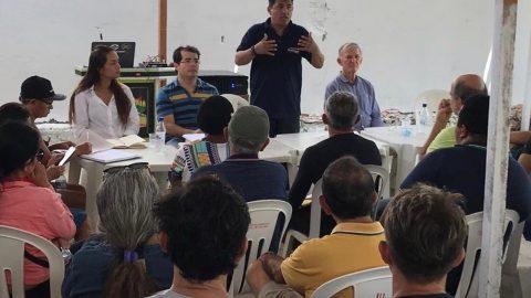 Wellington do Curso defende moradores e donos de bares do do Olho d'Água e discute impactos da ampliação da Litoranea