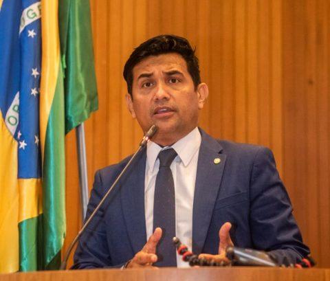 Com voto contrário do Deputado Wellington, Assembleia aprova viagens de Flávio Dino sem controle em 2021